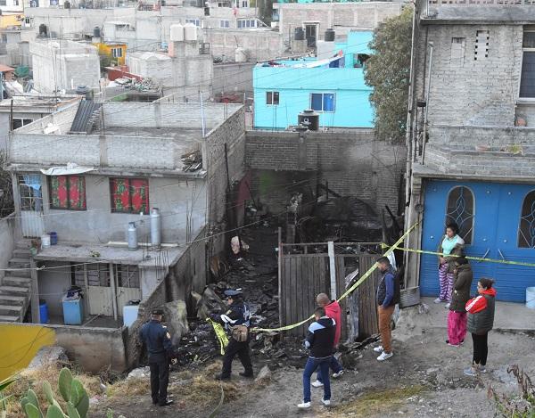 Los menores perdieron la vida al incendiarse su casa ubicada sobre Avenida de las Torres y Avenida San Miguel en la colonia Buenavista, alcaldía Iztapalapa. Foto: Cuartoscuro