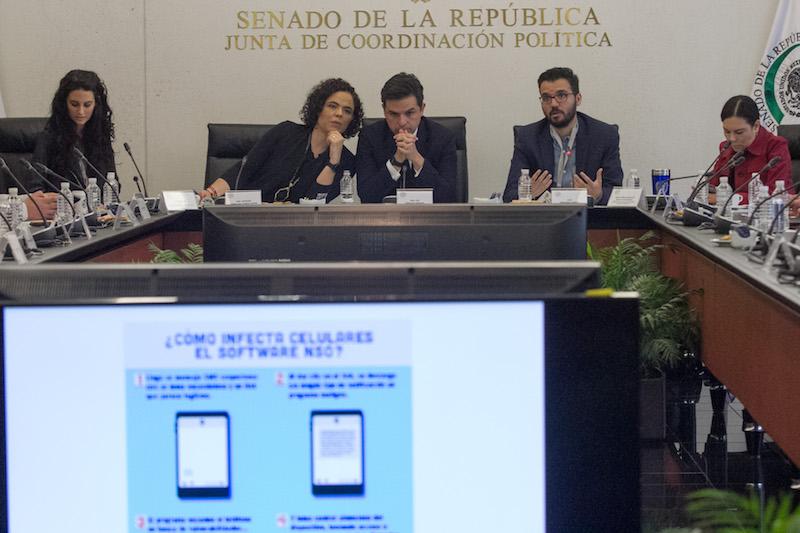 El 28 de junio de 2017 en el Senado se realizó la presentación del informe #GobiernoEspía, el cual da cuenta de los supuestos ataques del malware que sufrieron varios periodistas, activistas, defensores de los derechos humanos y personas críticas al gobierno, en sus teléfonos celulares. Foto: Cuartoscuro.
