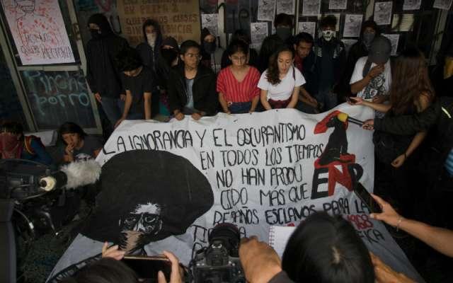 La UNAM rechazó los métodos violentos, como los empleados durante el desalojo del cuerpo directivo del plantel el 27 de noviembre pasado