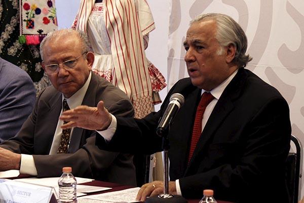 El secretario de Turismo, Miguel Torruco Marqués en su primera conferencia de prensa. FOTO: NOTIMEX