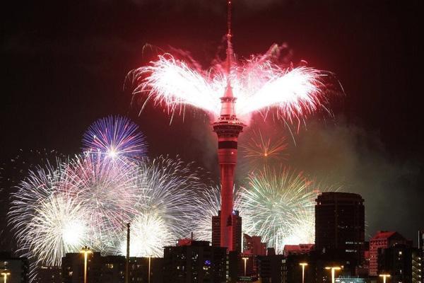 Celebran En Nueva Zelanda La Llegada Del Ano Nuevo Video