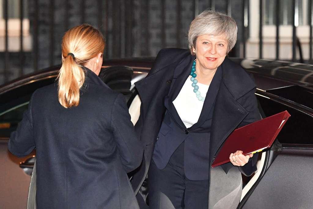 La premier Theresa May volvió a Bruselas para mejorar los acuerdos. Foto: AP