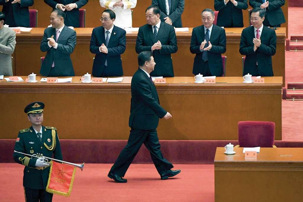 El presidente chino, Xi Jinping, llega para un evento que marca el 40 aniversario de la reforma de China. Foto: AFP.