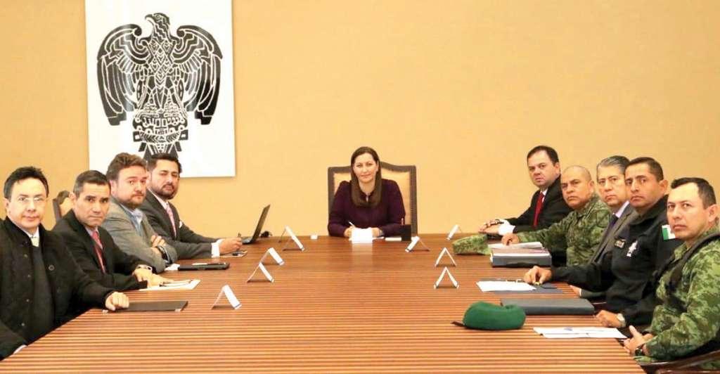 Martha Erika lideró la primera junta de seguridad con la Federación y el Ejército. Foto: Especial.