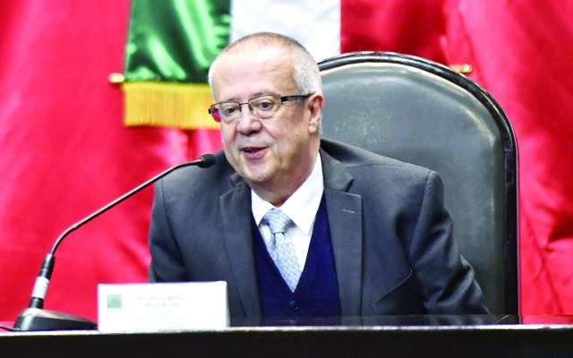 PLAN. Carlos Urzúa explicó el plan económico para 2019. Foto: EDGAR LÓPEZ