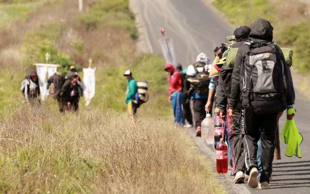 Decenas de peregrinos transitan por los estados de Veracruz, Puebla, Tlaxcala, Hidalgo, para llegar a la CDMX. Foto: Cuartoscuro