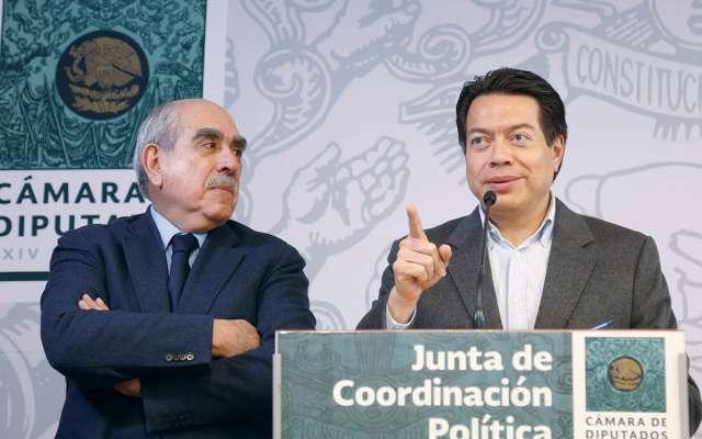 Los diputados Pablo Gómez y Mario Delgado hicieron el pacto. Foto: Especial.
