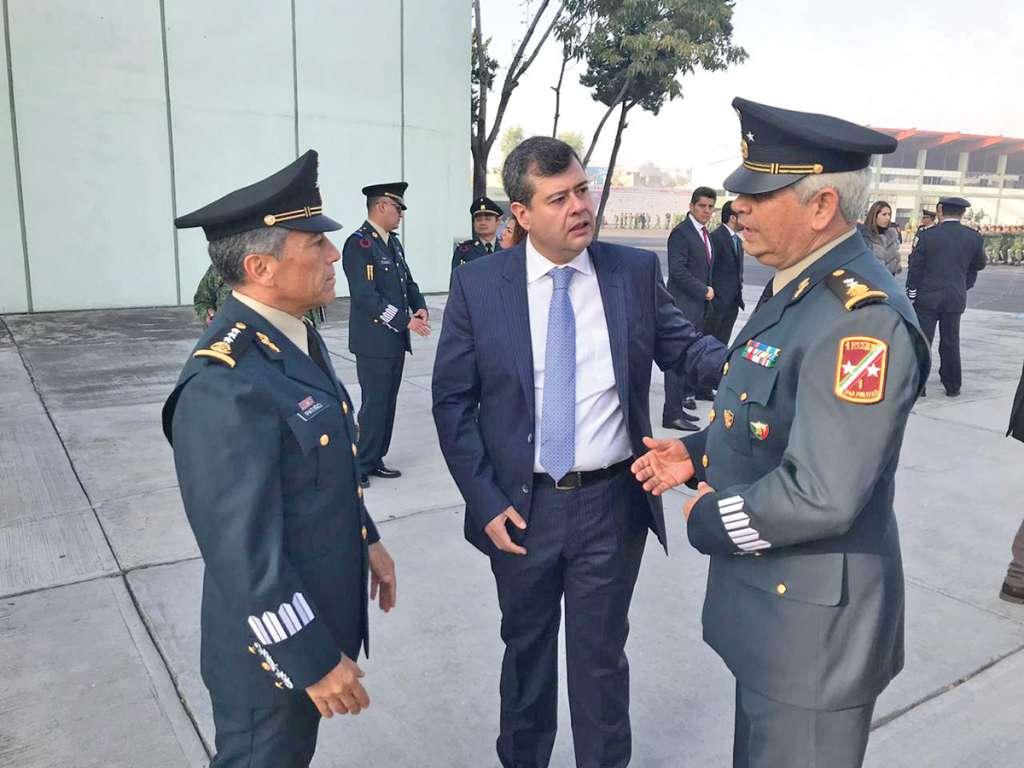 Amieva agradeció ayer el apoyo de las fuerzas federales durante su administración. Foto: Manuel Durán.
