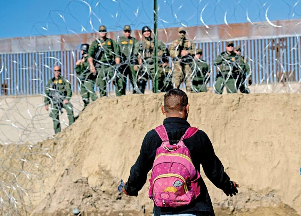 Son cerca de 2 mil personas que esperan poder presentar su solicitud de asilo al gobierno de Estados Unidos. Foto: AP