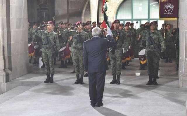 El Presidente de la República a su llegada a la sede del máximo tribunal del país. Foto: Edgar López / El Heraldo de México