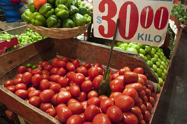 El mayor aumento obedeció al incremento quincenal de 2.56 por ciento de los precio agropecuarios, con lo cual la tasa anual de éstos subió 8.72 por ciento. FOTO: CUARTOSCURO