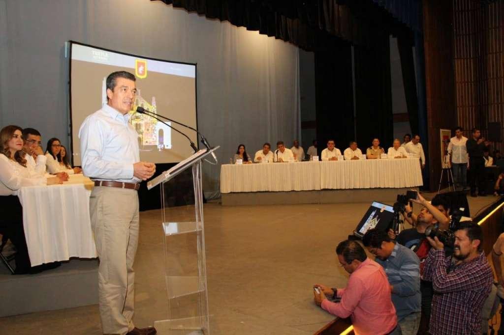Esto, con la intensión de continuar con el plan de austeridad propuesto por el Presidente México, Andrés Manuel Obrado