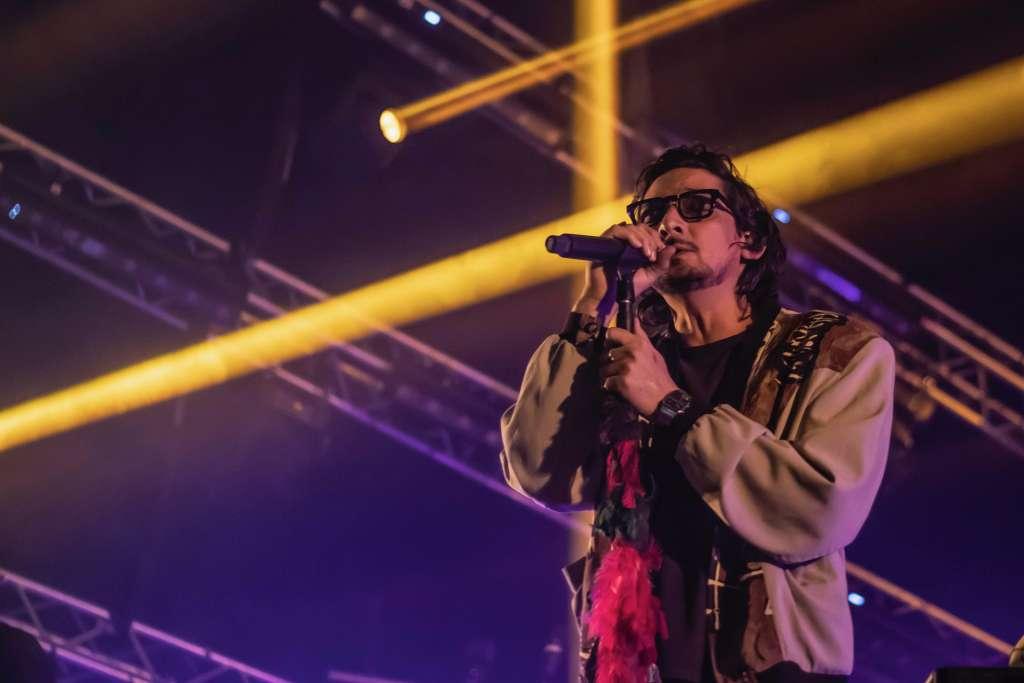 """La noche comenzó con los sencillos del sexto álbum de la banda, """"Venus"""", """"Azul"""" y """"No hay mal que dure"""". Foto: Especial"""