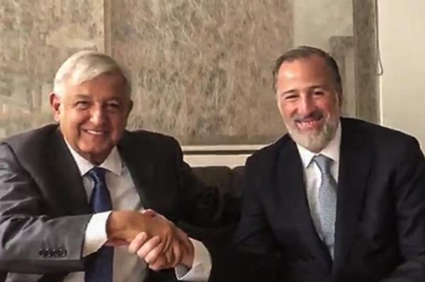 En agosto, Andrés Manuel López Obrador se reunió con el excandidato presidencial José Antonio Meade.  FOTO: CUARTOSCURO