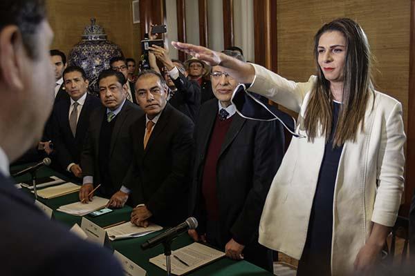 La medallista olímpica de Atenas 2004, Ana Gabriela Guevara, asumió de manera oficial el cargo de directora de la Comisión Nacional de Cultura Física y Deporte, con lo cual pasa a la historia como la primera mujer en dirigir ese organismo. POR: NOTIMEX