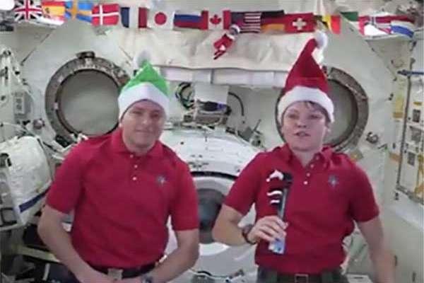 Los astronautas han estado ocupados con las operaciones e investigaciones de ISS, incluso McClain pasó varias horas preparándose para la llegada del Spac X Dragon.