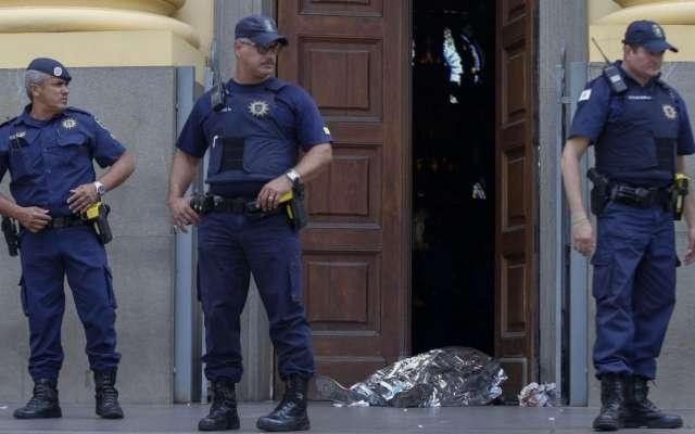 Brasil: Hombre abre fuego en la catedral de Campinas y mata a cuatro fieles. Foto: AFP