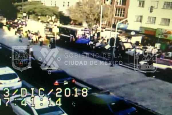 Las autoridades solicitaron a los automovilistas tomar precauciones. Foto: C5