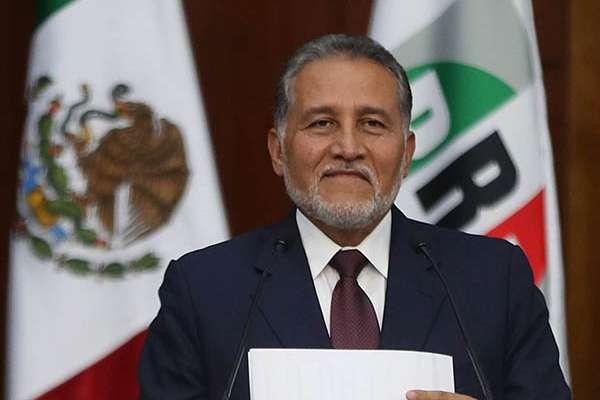 """Zamora Jiménez subrayó que en estos momentos """"está en juego el equilibrio y la división de poderes, la permanencia y la estabilidad de nuestra democracia"""