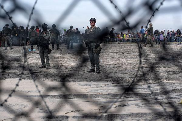 Trump ha vuelto a insistir en las últimas semanas en que si los presupuestos no incluyen una partida específica para la construcción del muro fronterizo podría no firmarlos. FOTO: AFP