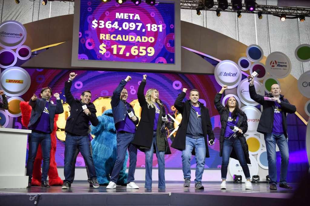 ENTUSIASMO. Personalidades del deporte, el espectáculo y los medios de comunicación se unieron para apoyar la causa. Foto: EDGAR LÓPEZ