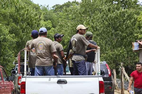 De acuerdo con información extraoficial, no hubo ningún herido del lado de los autodefensas. Foto: Cuartoscuro