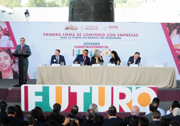 Juan Pablo Castañón comentó que las compañías se convertirán en tutores