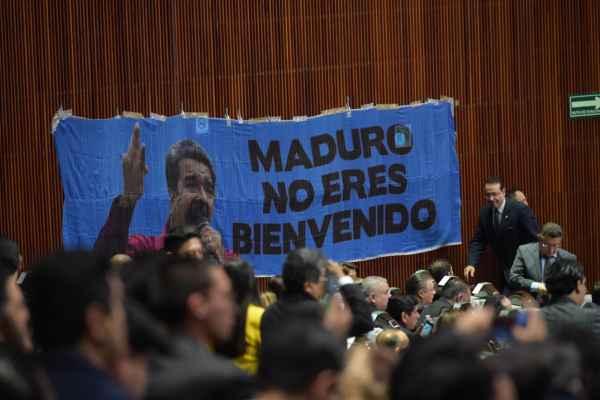 Días previos el PRI y PAN amenazaron con protestar cuando el tabasqueño jure como presidente de México. Foto: El Heraldo de México