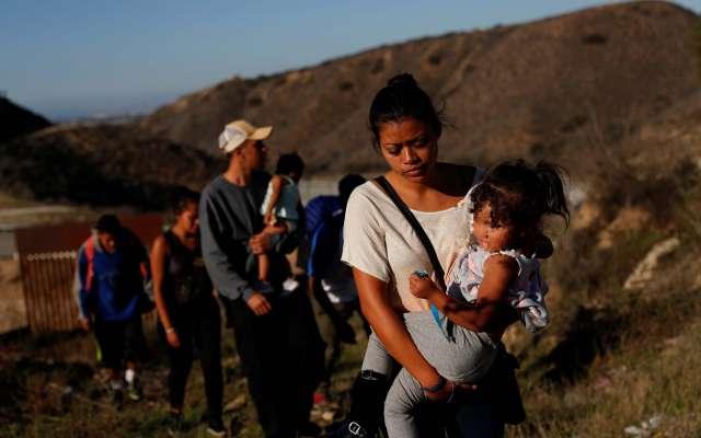 A principios del 7 de diciembre, la niña comenzó a tener convulsiones y los servicios de emergencia midieron la temperatura de su cuerpo en unos 40 grados, dijo el Post.  FOTO: REUTERS