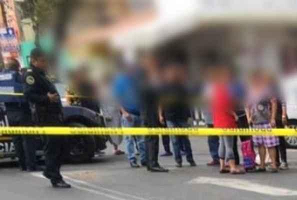 Al parecer el chofer del microbús fue detenido. Foto: @alertasurbanas