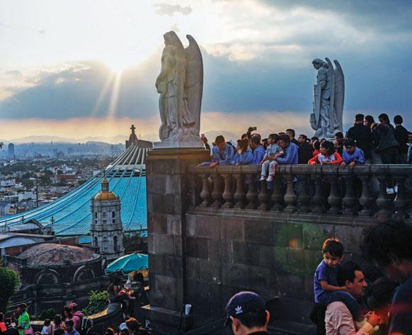Desde ayer empezó el arribo de peregrinos de todo el país. Foto: Nayeli Cruz / El Heraldo de México.