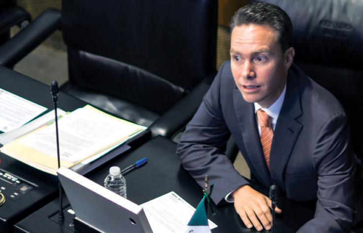 CHAPULÍN. Manuel Velasco termina este sábado su gestión como gobernador y volverá al Senado. Foto: CUARTOSCURO