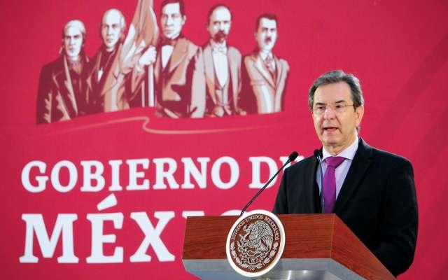 Esteban Moctezuma aseguró que la Reforma beneficia al magisterio