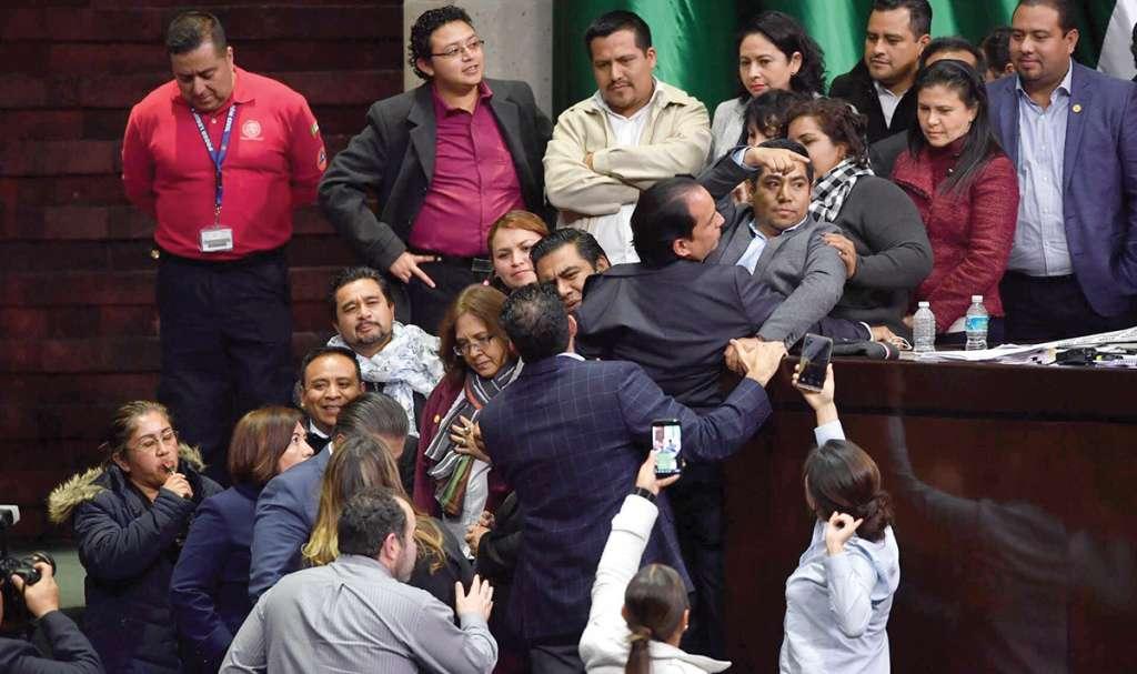 Morena y la oposición discutieron el fin de semana pasado el Presupuesto para 2019. Foto: Pablo Salazar Solís / El Heraldo de México.
