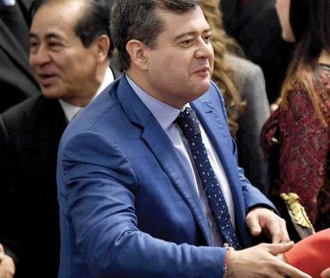 Amieva recibió el reconocimiento de Sheinbaum. Foto: Edgar López / El Heraldo de México.