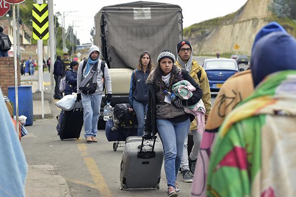 Huyen de su país debido a la situación política. FOTO: AFP