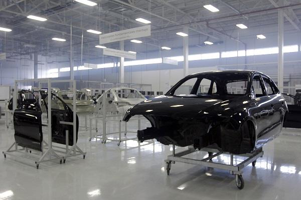 El automotriz paga 79% más en el sector productor. Foto: Cuartoscuro
