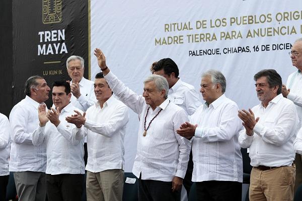 El presidente Andrés Manuel López Obrador expresó durante el ritual de los pueblos originarios a la Madre Tierra para anuencia de la construcción del Tren Maya, que el proyecto es un acto de justicia para el sur-sureste de México. FOTO: NOTIMEX