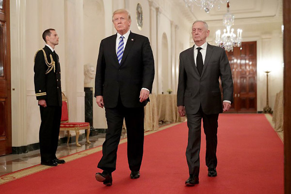 Mattis, exgeneral de la Marina de 68 años, había advertido varias veces contra una precipitada salida de Siria. FOTO: AFP