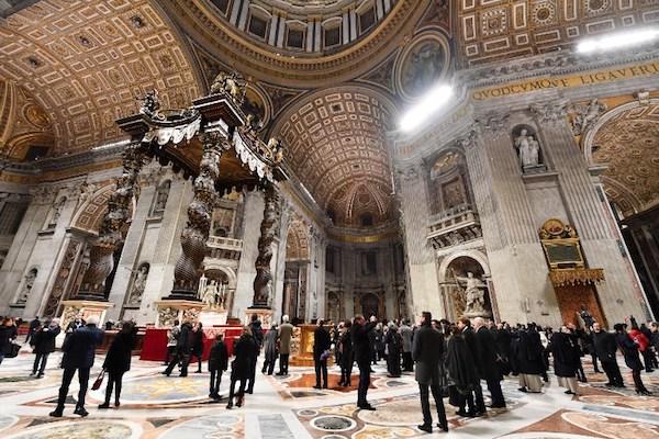 El Vaticano dijo ayer que el sacerdote Geissler, presentó su renuncia pero negó la acusación en su contra. Foto: AFP.