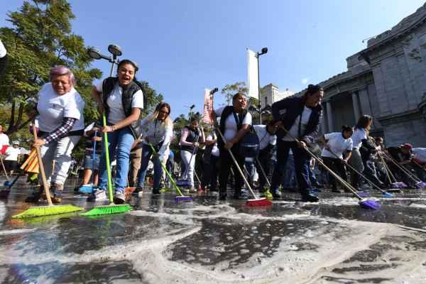 La activista Diana Sánchez Barrios anunció en su cuenta de Twitter las labores de limpieza. Foto: Leslie Pérez