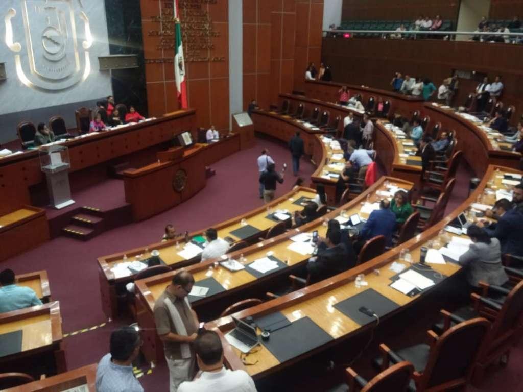La propuesta la llevó a tribuna el diputado de Movimiento Ciudadano, Arturo López Sugía