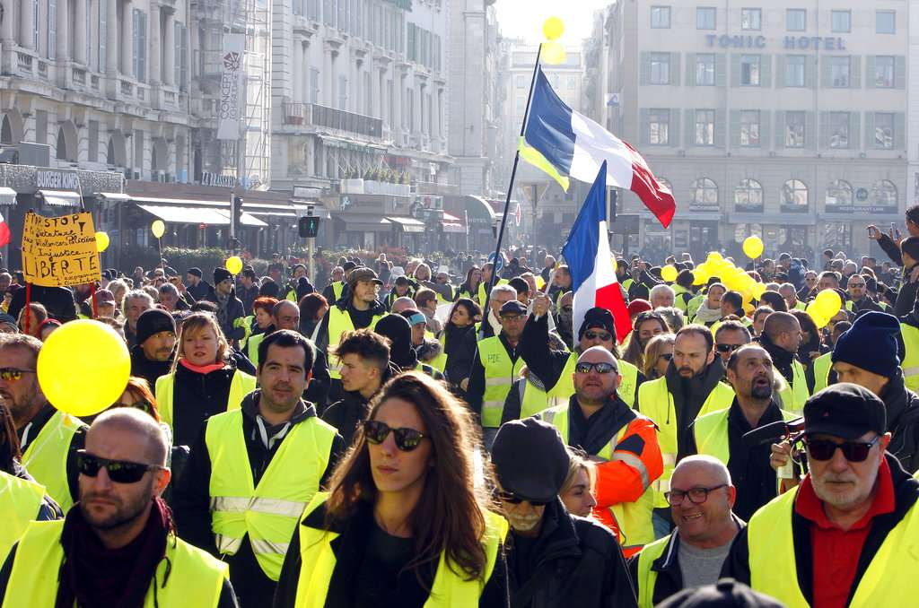 Manifestantes del movimiento de los chalecos amarillos. FOTO: ARCHIVO/ AP