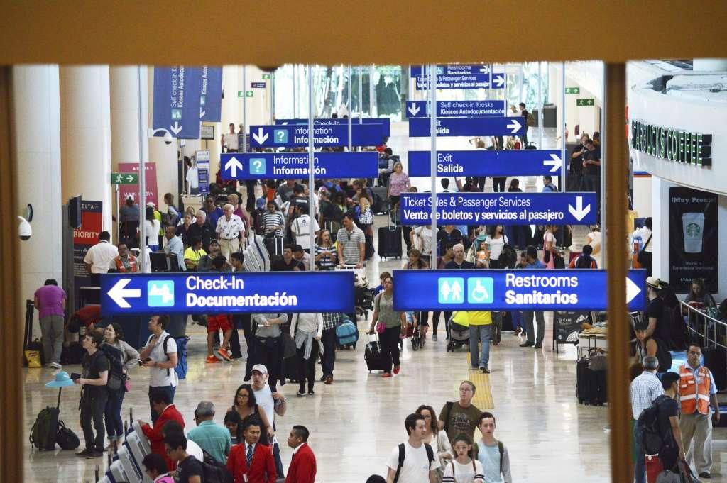 Vuelos a Cancún han sido desviados este domingo a diferentes aeropuertos alternos. FOTO: ELIZABETH RUIZ /CUARTOSCURO.COM