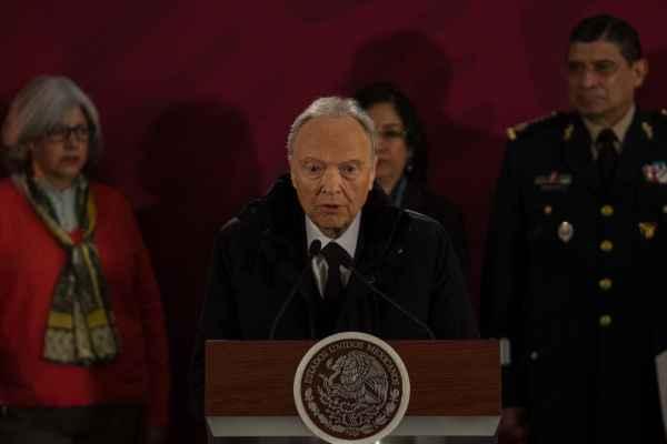 Alejandro Gertz no precisó los nombres de los funcionarios. Foto: Cuartoscuro