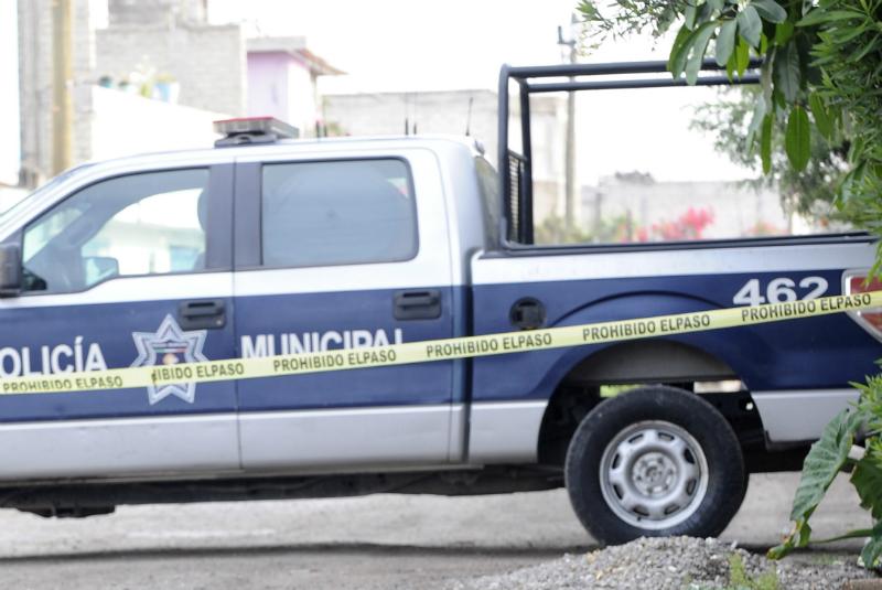Tras una intensa búsqueda, el cuerpo de la menor fue localizado durante la madrugada frente a una vivienda, muy cerca de donde ella residía