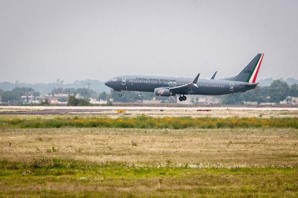 La Base Aérea de Santa Lucía utilizada por la Fuerza Aérea Mexicana es una opción para que el gobierno de transición que encabeza Andrés Manuel López Obrador resuelva la alta demanda de pasajeros en el Aeropuerto Internacional de la ciudad de México.   FOTO: DIEGO SIMÓN SÁNCHEZ /CUARTOSCURO.COM