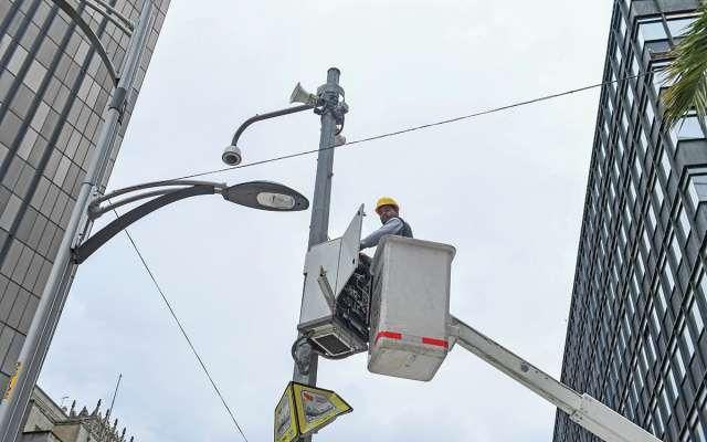 Se instalarán 11 mil 100 cámaras nuevas en postes; 200 de ellas serán 4K. Foto: Leslie Pérez / El Heraldo de México.