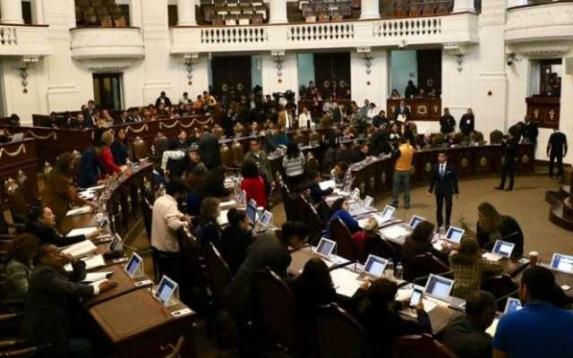 """En tanto, José Luis Rodríguez, vicecoordinador de Morena, expresó su respaldo a la decisión tomada por el gobierno federal, al considerar que """"el robo de los combustibles es algo que, bajo ninguna circunstancia, podía seguir siendo tolerado o auspiciado"""""""
