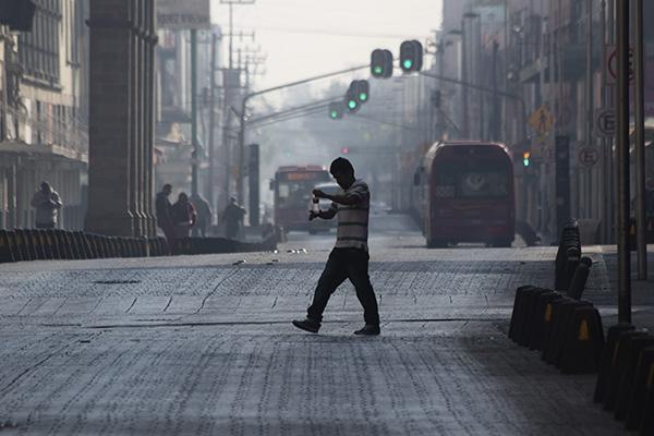 Hoy no circulan autos con terminación de placas 3 y 4. FOTO: CUARTOSCURO